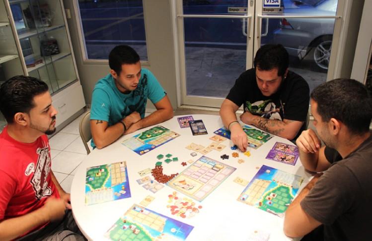 A jugar en las mesas for Puerto rico juego de mesa