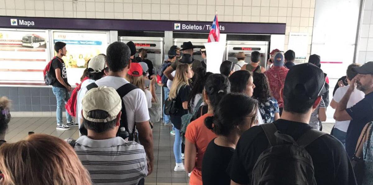 Enorme cantidad de usuarios en Tren Urbano