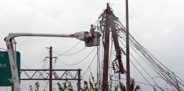 """""""Nuestro sistema eléctrico tiene que ser transformado y ello implica la desagregación de las funciones de la Autoridad de Energía Eléctrica en múltiples actores privados con los recursos, la cultura organizacional y el dinamismo que el momento amerita"""", expresó el envío. (Archivo)"""