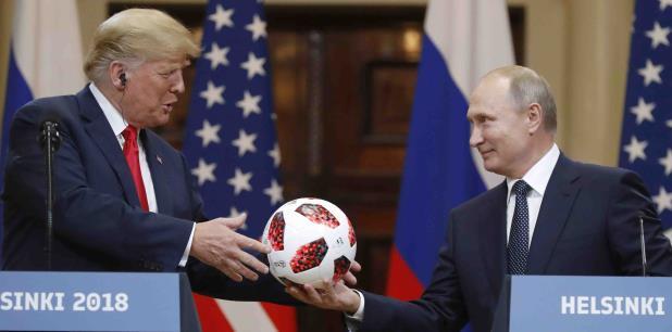 Donald Trump y Vladimir Putin en Helsinki, Finlandia. (AP / Alexander Zemlianichenko)