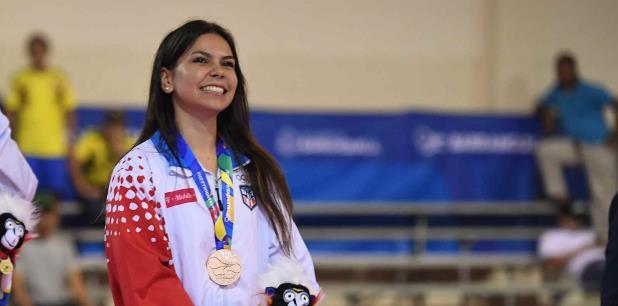 Arelis Medina, en la foto, junto a Ana Figueroa y Fabiola Ruiz lograron un bronce. (andre.kang@gfrmedia.com)