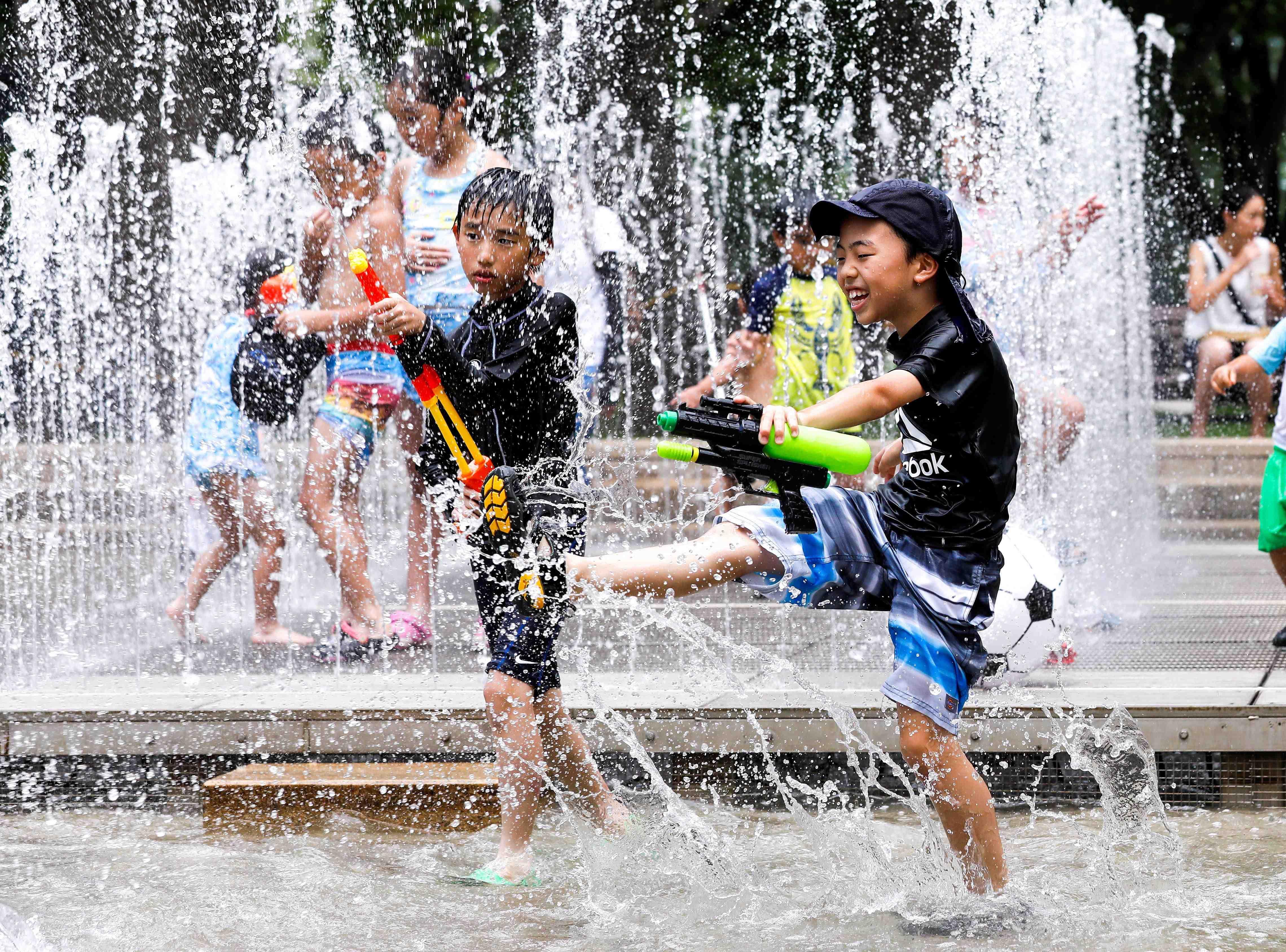Fuerte ola de calor deja 80 muertos en Japón
