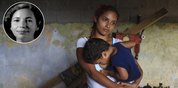 """""""En el rostro de esta madre percibo la desesperación...  de no poder proveerle a su hijo..."""" (Teresa Canino / Orocovis)"""
