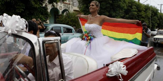 Las posiciones de la población sorprendieron a muchos, pues en miles de estas reuniones populares se rechazó la idea de que la formulación legal permitiera bodas gay en Cuba. (Archivo)