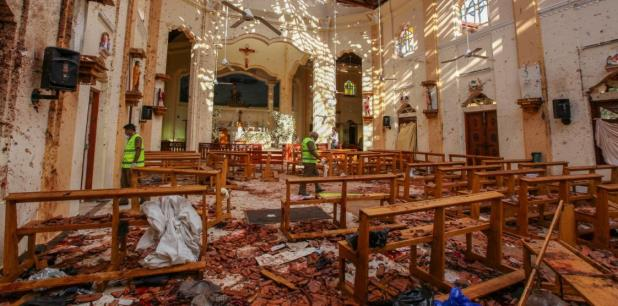 El primer ministro de Sri Lanka, Ranil Wickremesinghe, anunció el arresto de ocho personas en relación con la serie de explosiones de este Domingo de Resurrección. (AP)
