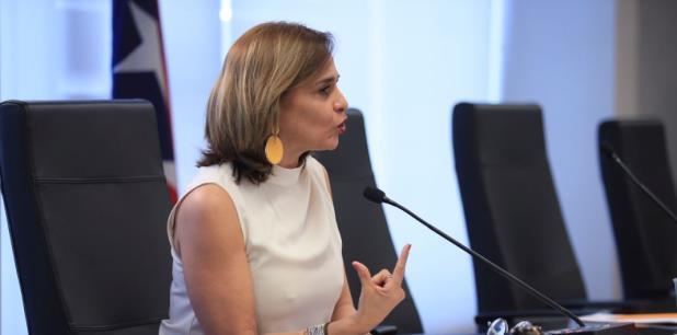 """La senadora Zoé Laboy presidió sola la semana pasada una vista pública para establecer las """"Guías para la Protección de la Libertad Relifiosa"""". (teresa.canino@gfrmedia.com)"""