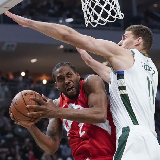 Los Raptors superaron un déficit de 15 puntos para ganar la serie en seis juegos y serán los anfitriones de los Warriors de Golden State en el Juego 1 de las Finales de la NBA el jueves por la noche. (AP)