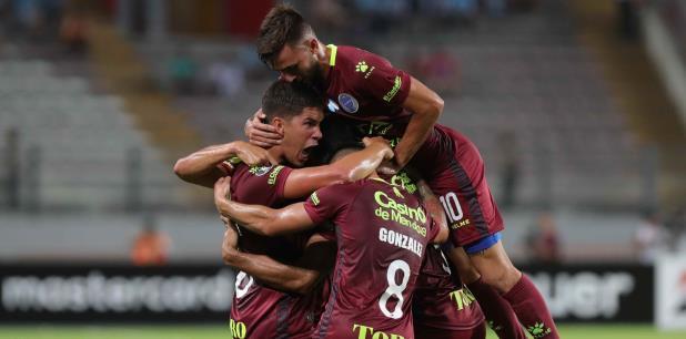 Los hombres dirigidos por Lucas Bernardi, que avanzaron a octavos de final de la Libertadores tras quedar segundos del Grupo C por detrás del Olimpia paraguayo. (EFE)