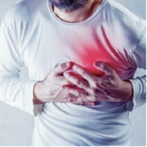 dolor agudo en el pecho y dificultad para respirar