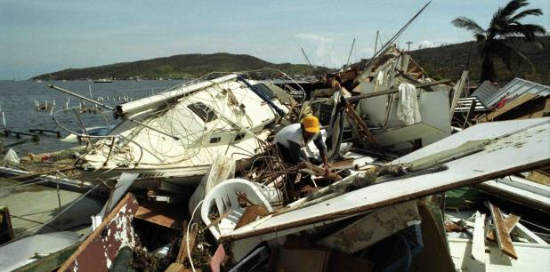 Imagen de Culebra tras el paso del huracán Hugo por la zona el 18 de septiembre de 1998.  (Archivo)