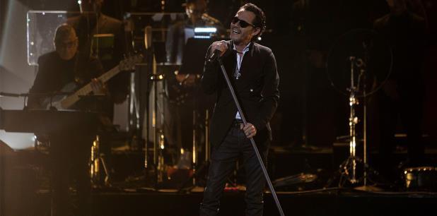 """Marc Anthony interpretó """"Almohada"""", como parte del tributo al Príncipe de la Canción. (EFE)"""