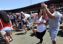 El público disfruta de las orquestas. (Juan Luis Martínez / juan.martinez@gfrmedia.com)