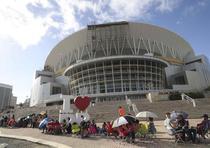 Fila en el Coliseo de Puerto Rico para el concierto de Bad Bunny. (vanessa.serra@gfrmedia.com)