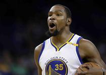 Kevin Durant - $164 millones por cuatro temporadas con los Nets de Brooklyn. (Archivo)