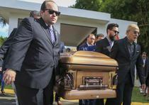 Fue conducido por sus allegados más próximos hasta su lecho final. (david.villafane@gfrmedia.com)
