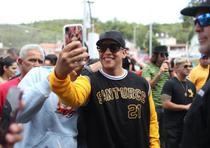 Daddy Yankee en la comunidad Magas Abajo de Guayanilla.  (teresa.canino@gfrmedia.com)