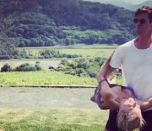 'Thor' le regala clases de baile a su esposa al ritmo de Despacito