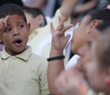 Atrasada la enseñanza del lenguaje en señas  en la Isla