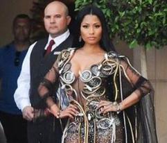 Erótica Nicki Minaj en su nuevo vídeo
