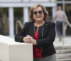 Exsecretaria de Hacienda pide la renuncia de Rosselló