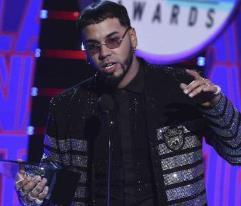 Anuel AA arrasa con cinco premios en los Latin AMAs
