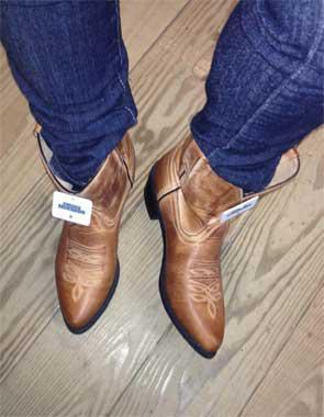 cfedf773a9 No pierden popularidad las botas vaqueras