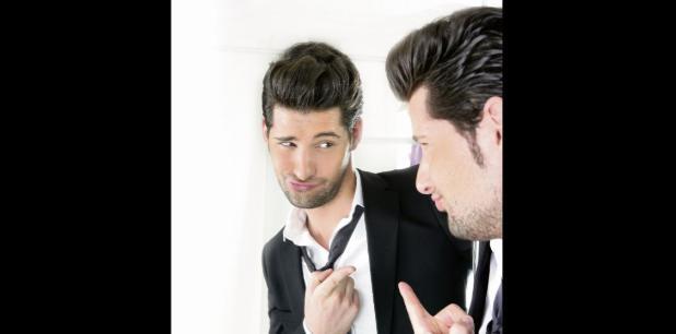Un narcisista cree que es especial y único y que solo puede relacionarse con personas iguales. (Archivo)