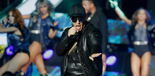 Fans de Daddy Yankee llenan 4 camiones con donativos para Puerto Rico