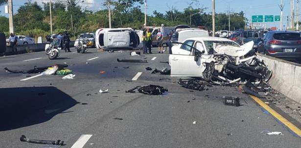 Identifican a las víctimas del accidente múltiple en Carolina