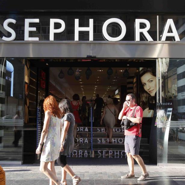 Sephora cerrará todas sus tiendas por un acto de racismo