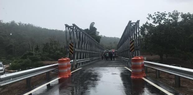 Reconstruyen puente en Arecibo que colapsó tras María
