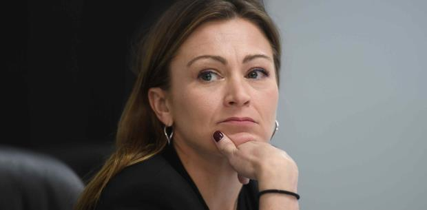 Exempleado del DE coopera en pesquisa contra Julia Keleher
