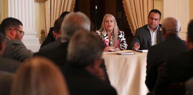 De mucha apertura la reunión entre alcaldes populares y la gobernadora