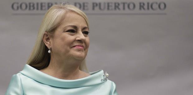 Gobernadora visita el terminal de lanchas de Ceiba