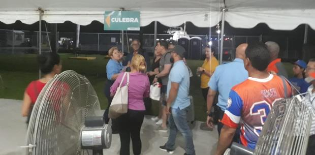 Policía interviene en tensa situación en terminal de lanchas en Ceiba