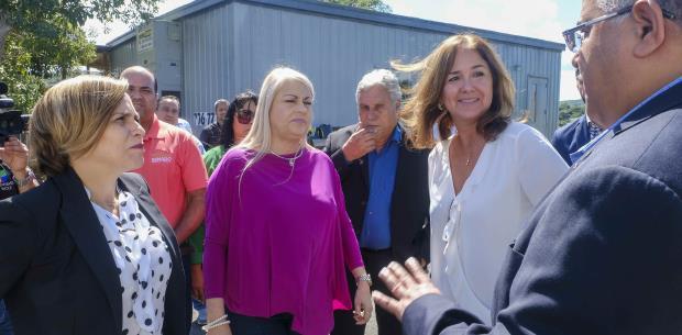 Wanda Vázquez visita Vieques y promete atender viejos problemas